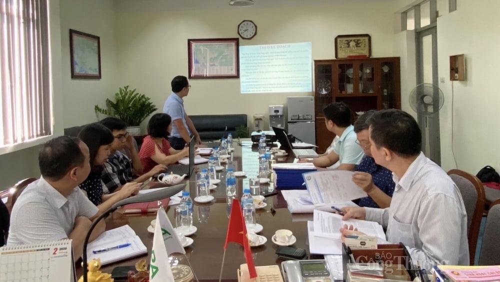uổi làm việc giữa Đoàn công tác kiểm tra định kỳ các nhiệm vụ khoa học và công nghệ với Viện Công nghiệp giấy và xenluylô