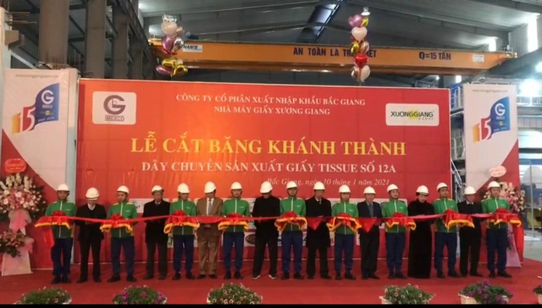 Công ty CP Xuất-Nhập khẩu Bắc Giang đón nhận Huân chương Lao động Hạng Nhì